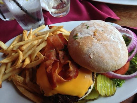 One Mile West : Bacon cheese burger with fries