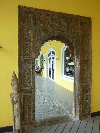 Club Med Columbus Isle : Vers lobby