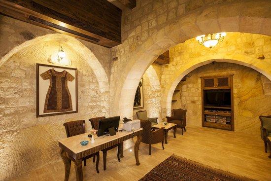 Kayakapi Premium Caves - Cappadocia: Cazgır Lounge