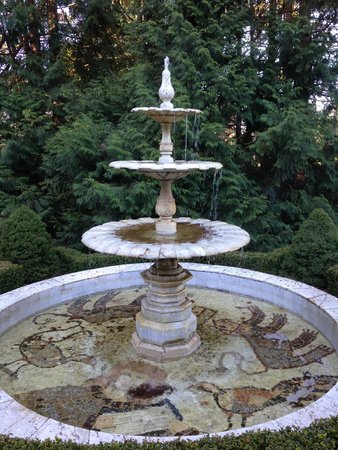 Leuralla: Secret wonders through out the gardens