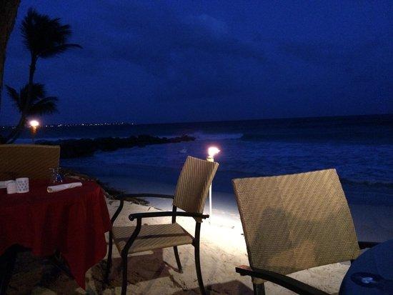 Turtle Beach by Elegant Hotels: Dining