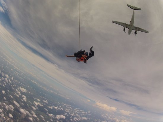 Skydive Space Center : JUMP!