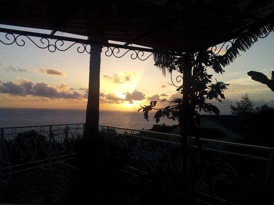 La Boheme: coucher de soleil sur la terrasse