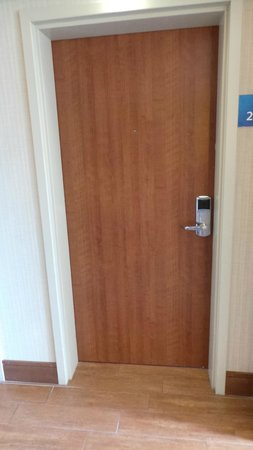Holiday Inn Express & Suites Saint-Hyacinthe: Porte chambre
