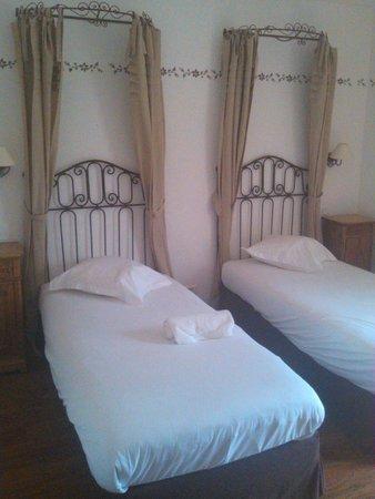 Hostellerie a la Ville de Lyon : Chambre a 2 lits...