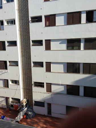 El Puerto Hotel Apartments: vue de la chambre