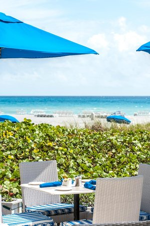 The Seagate Hotel & Spa: Dining at The Seagate's private Beach Club