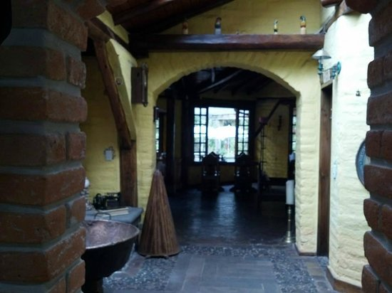 Hotel Casa de Hacienda La Jimenita: From the entry looking towards the dining room