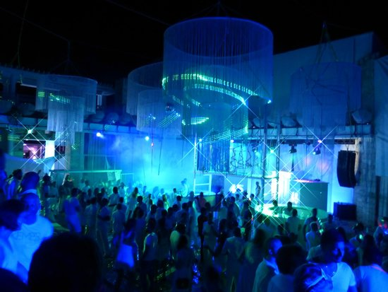 Club Med Kemer : White Party
