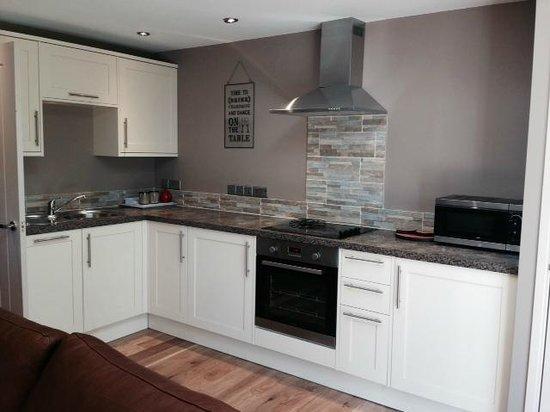 Beaconsfield Farm Self Catering: Garden suite kitchen