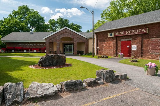 Franklin Mineral Museum : Mineral Museum & Replica Mine