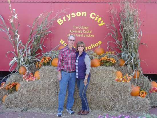 Great Smoky Mountains Railroad: Welcome to Brson City!