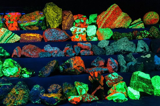 Franklin Mineral Museum : More of the Fluorescent Mineral Display