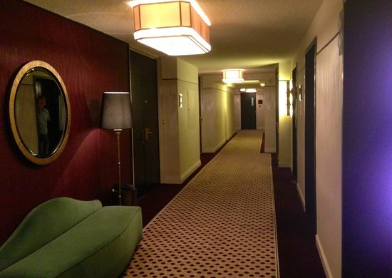 Hotel Omni Mont-Royal : Hallway