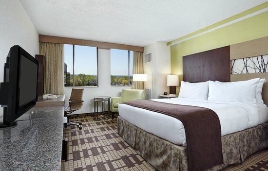 DoubleTree by Hilton Hotel Washington DC - Silver Spring: King Guestroom