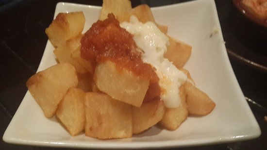 Cool Breeze Cafe Bar: Potatas Bravas