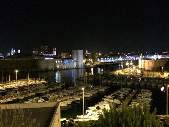 Sofitel Marseille Vieux-Port : Le Vieux Port by night