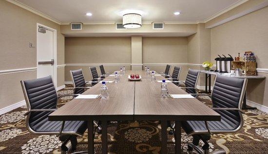 ดับเบิ้ล บาย ฮิลตันโฮเต็ลวอชิงตัน ดีซี - ซิลเวอร์สปริง: Boardroom