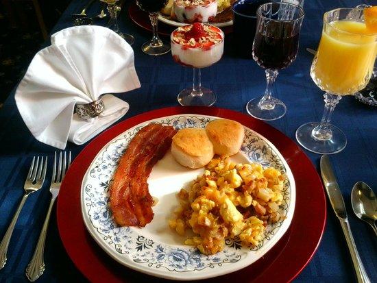 1875 Homestead Bed and Breakfast : Breakfast
