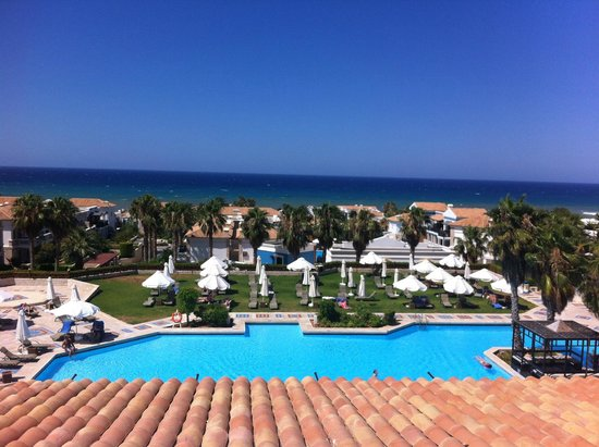 Aldemar Royal Mare Thalasso Resort : Overlooking one of the main pools!