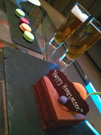 The Okura Prestige Bangkok: Honeymoon welcome :)