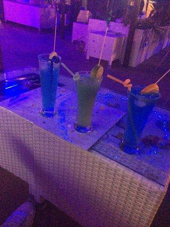 Luna Blue Lounge Bar: Amazing cocktails