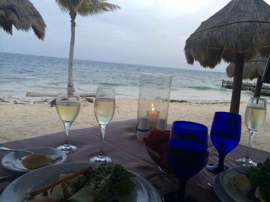 Secrets Capri Riviera Cancun: beach front dinner