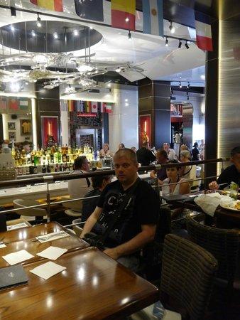 Hard Rock Cafe Barcelona : В ожидании заказа