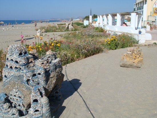 Golden Beach Hotel: Schoon strand