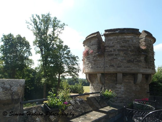 Bath Lodge Castle : Windsor room - Battlements/balcony (Room with a view)