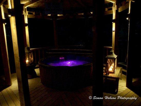 Bath Lodge Castle: Pavilion - Hot Tub