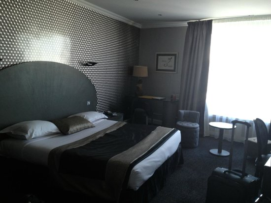 Hotel Atala Champs Elysees: Room