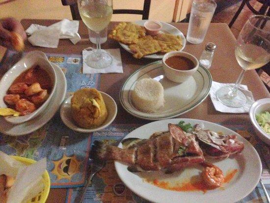 Rest. El Turrumote: Grilled Grouper and Camerones Guisado