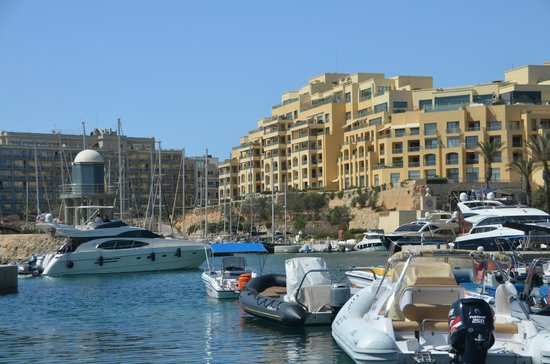 Hilton Malta: View from the hotel's harbor.