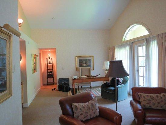 Bedford Village Inn: Our room