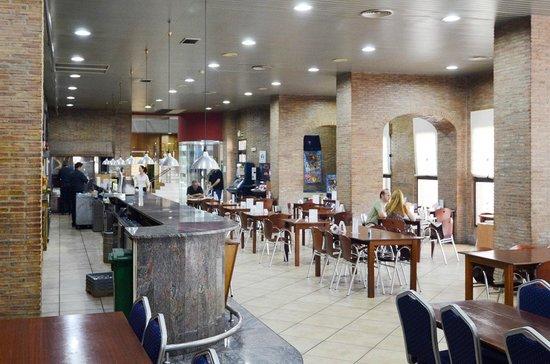 Hotel Louty Simba: Cafetería