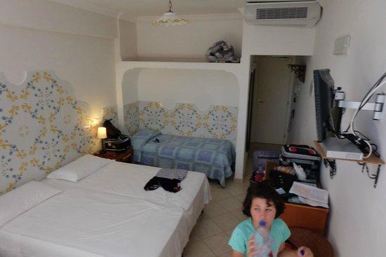 Hotel 4 Stagioni : room