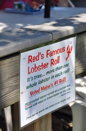 Red's Eats: Red's Famous Lobster Roll