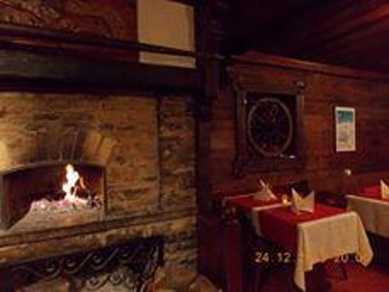 Le Vieux Châlet : cheminée restaurant