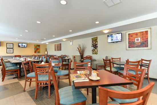 Holiday inn new york jfk airport area updated 2018 hotel for Hotels closest to jfk airport