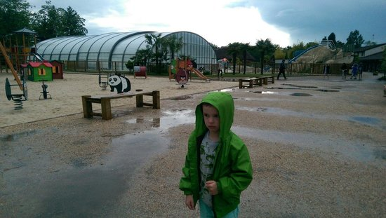 Les Alicourts Resort: It was incredibly fun even when it rained. French weather did not phase us, it was never cold:)