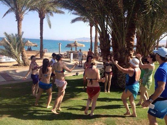 SENTIDO Palm Royale : Belly dancing 2