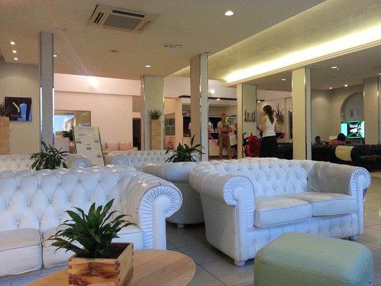 Oxygen Lifestyle Hotel Helvetia Parco : hall