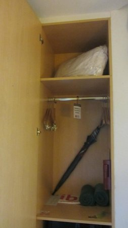 ibis Samui Bophut : Closet