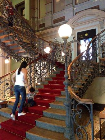 Memorial Minas Gerais - Vale : The internal stairway