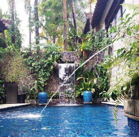 Tempat Senang Resort: The nicest of the 3 small pools