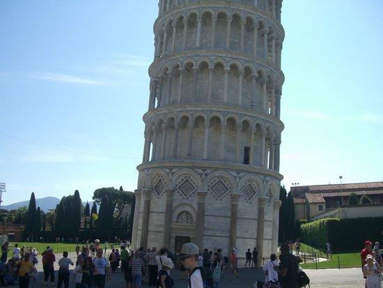 Der Schiefe Turm von Pisa: 斜め