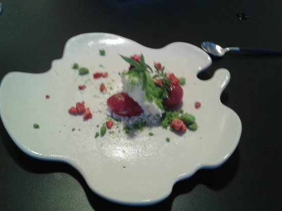 The Man Behind the Curtain: strawberry salad