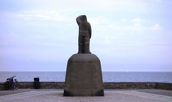 Knud Rasmussen Statue