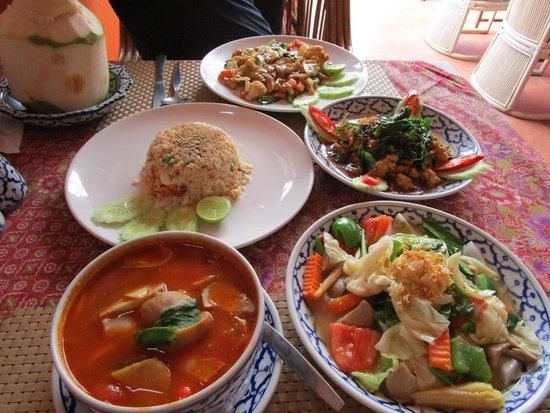 Sawasdee: Food